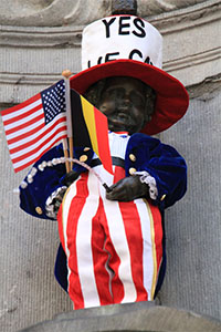 Manneke Pis Wearing American Outfit